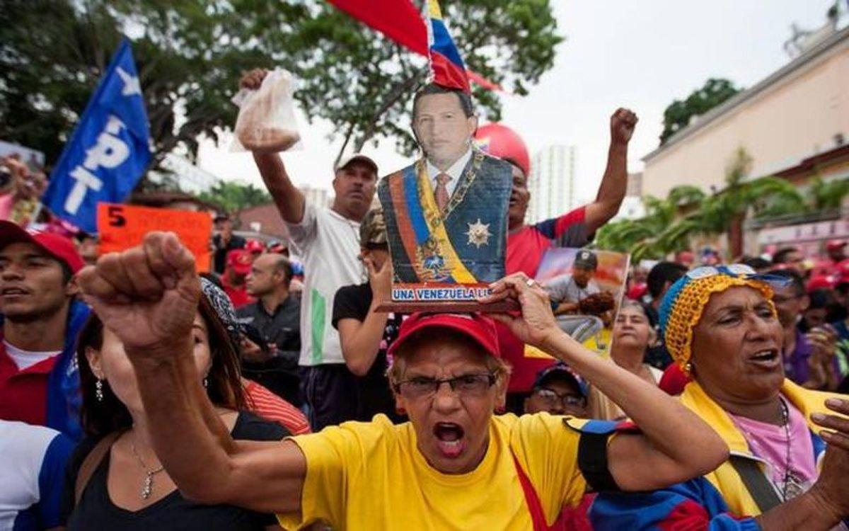 Manifestaciones en apoyo a Maduro y al régimen chavista en Venezuela.