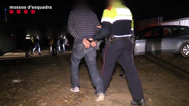 Detingut per robar i agredir sexualment tres dones grans a Gràcia