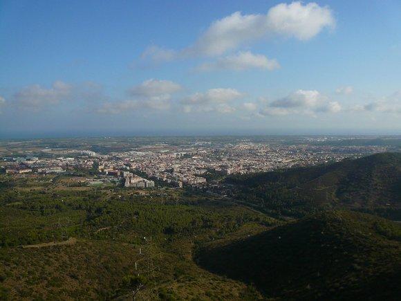 Viladecans visto desde la montaña de Sant Ramon.