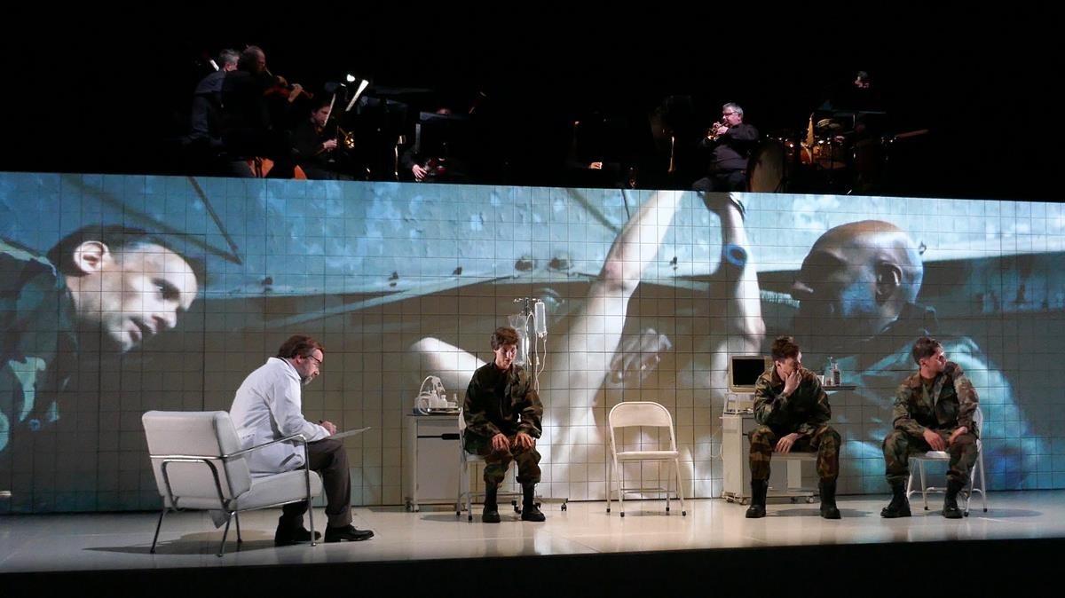 'Historia de un soldado', de Stravinski, con dirección escénica de Àlex Ollé.
