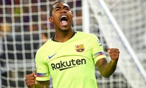 Malcom celebra el gol que le marcó a Olsen en el Barça-Roma.