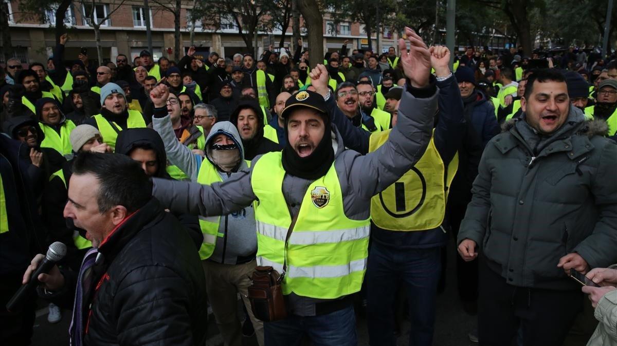 El Govern avala que els VTC s'hagin de reservar una hora abans a Barcelona