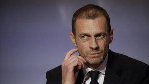 La UEFA demana a les federacions que no juguin en països que prohibeixen les dones anar als estadis