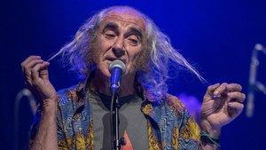 Concierto de Pau Riba con motivo del 50 aniversario de su disco Dioptria, en el Teatre Joventut de Hospitalet, el 12 de abril.