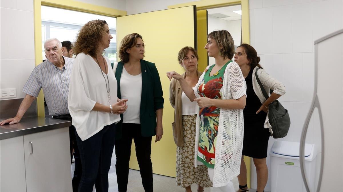 La 'consellera' de Salut, Alba Vergés, y la alcaldesa de Barcelona, Ada Colau, este sábado.