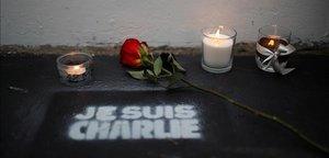 «Charlie Hebdo continua viu»