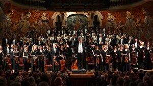 John Eliot Gardiner, este viernes, en el Palau de la Música Catalana junto a su orquesta y coro.