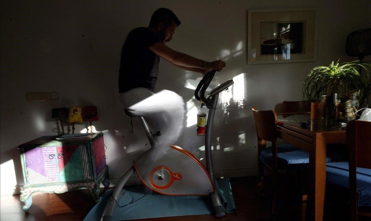 La bicicleta estática, uno de los productos más 'deseados' durante el confinamiento