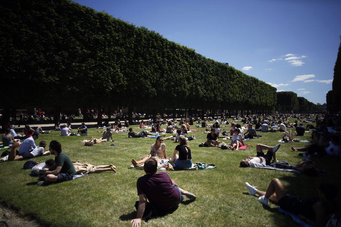 La pandèmia està «controlada» a França, segons el Consell Científic