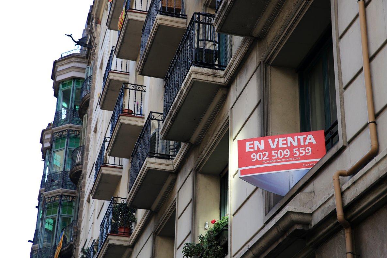 Imagen de un cartel de venta de una vivienda