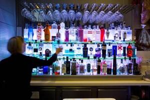 El alcohol es una de las drogasque más problemas socialesy sanitarios genera.