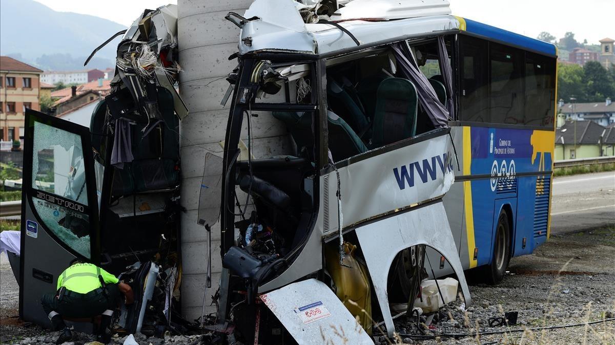 El autobús accidentado el 3 de septiembre en Avilés.