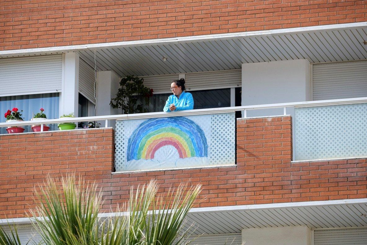 Los balcones son también protagonistas durante esta crisis del coronavirus