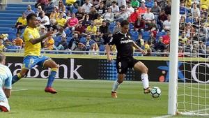 Ben Yedder marca el primer tanto para el Sevilla ante Las Palmas.