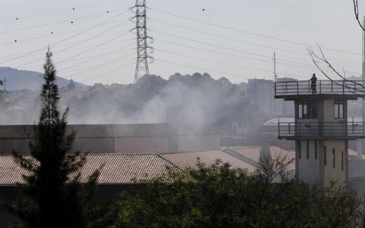 Fuga masiva en cárceles de Brasil tras medidas ante el COVID-19