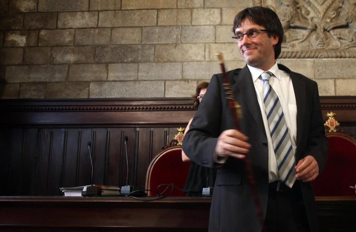 Carles Puigdemont, durante su toma de posesión como alcalde de Girona.