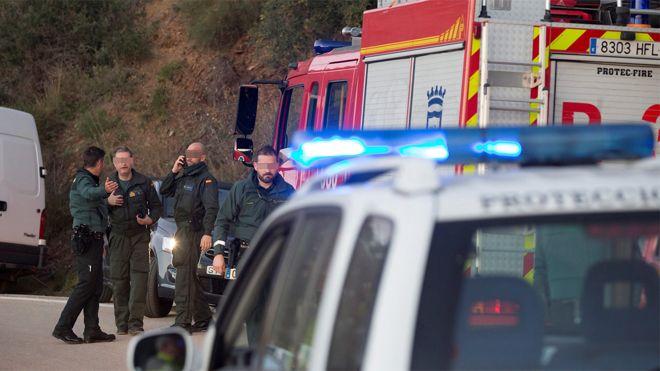 Más de 100 efectivos han estado trabajando toda la noche en el rescate del niño de 2 años que cayó en un pozo de Totalán (Málaga).