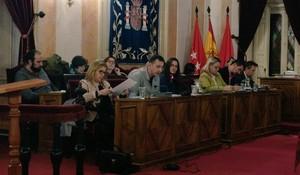 Diputados de Somos Alcalá en el pleno.