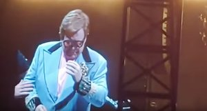 Elton John es queda sense veu durant un concert a Nova Zelanda: «Ho sento, ho sento molt»