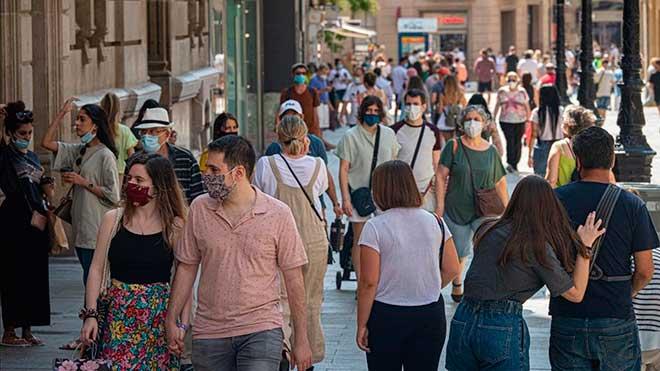 Entra en vigor la prohibición de reuniones de más de 10 personas en Catalunya.