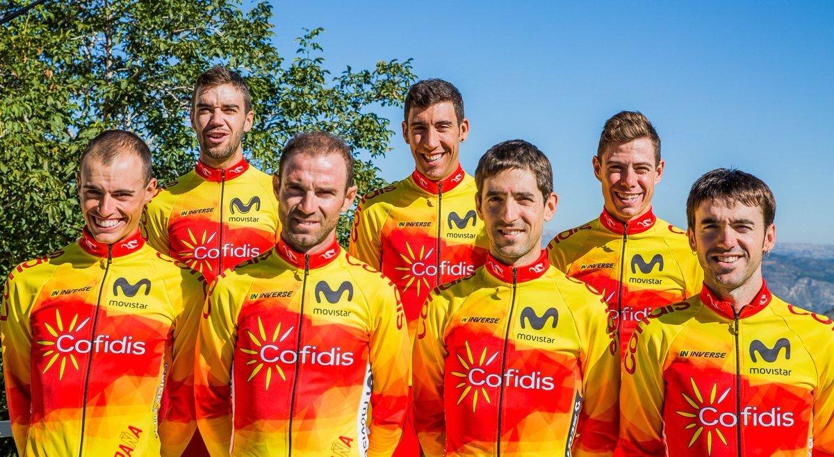 La selección española de ciclismo. De izquierda a derecha, Mas, Jesús Herrada, Valverde, Fraile, Nieve, De la Cruz y Ion Izagirre, el equipo que corre el domingo junto al ausente en la foto, Castroviejo.