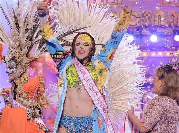 Grimassira Maeva,tras proclamarse Drag Queen del Carnaval de Las Palmas de Gran Canaria 2016.