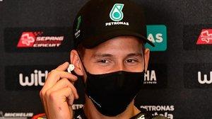 El francés Fabio Quartararo (Yamaha) sonrie tras lograr una nueva 'pole' y récord en Jerez.