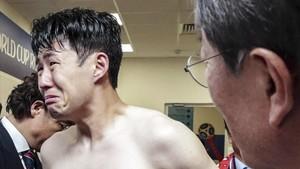 Heung-min Son, llora en el vestuario tras perder ante México