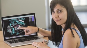 Sílvia Osuna, ganadoradel Premio Princesa de Girona de Investigación 2016, en su laboratorio de la Universitat de Girona.