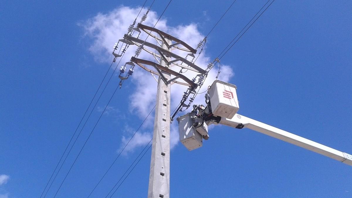Imagen de archivo de una torre eléctrica
