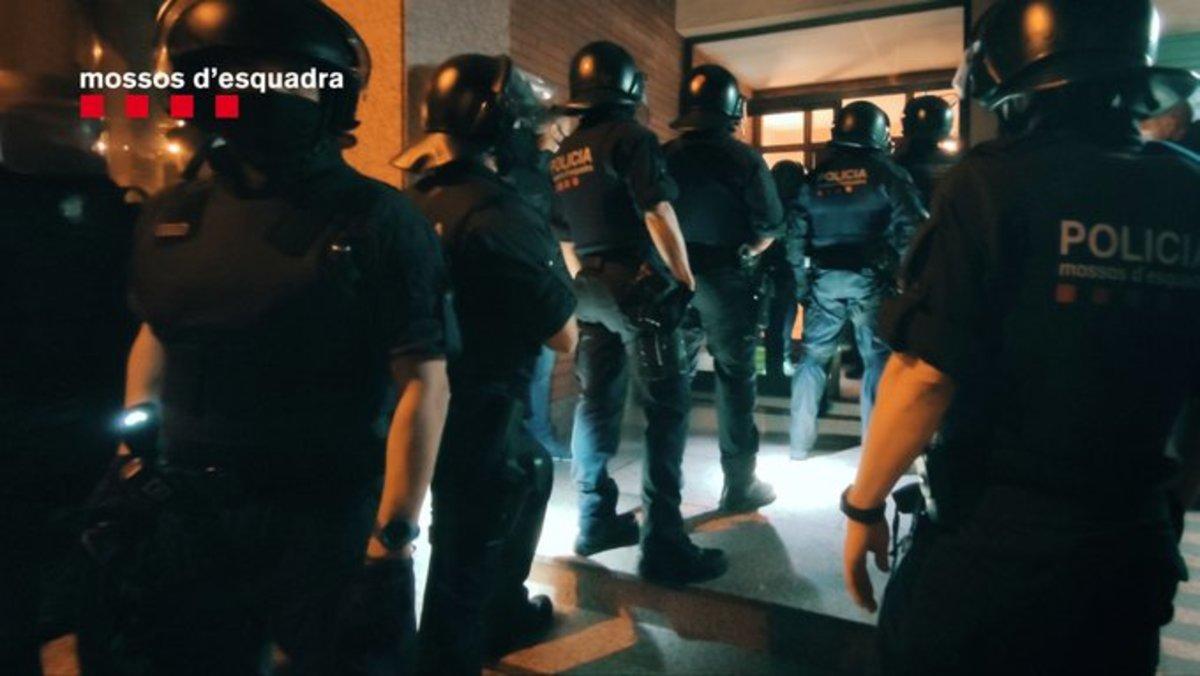 Operación policial contra el tráfico ilícito de vehículos en BCN y área metropolitana