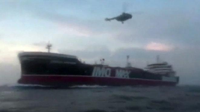 Irán publica el vídeo de la captura del petrolero británico 'Stena Impero' en el estrecho de Ormuz.