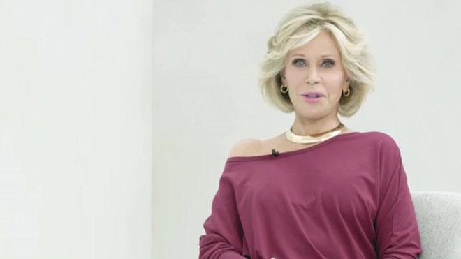 Jane Fonda promociona su nueva colección de prendas deportivas para mujeres mayores de 50 años.