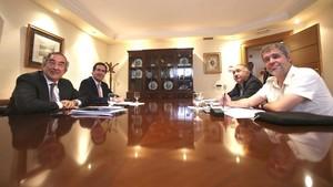 Juan Rosell (CEOE), Antonio Garamendi (CEPYME), José María Álvarez (UGT) y Unai Sordo (CCOO), durante la reunión por el empleo.