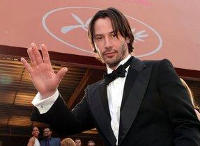 Keanu Reeves lo vuelve hacer y enamora al público con su sencillez.