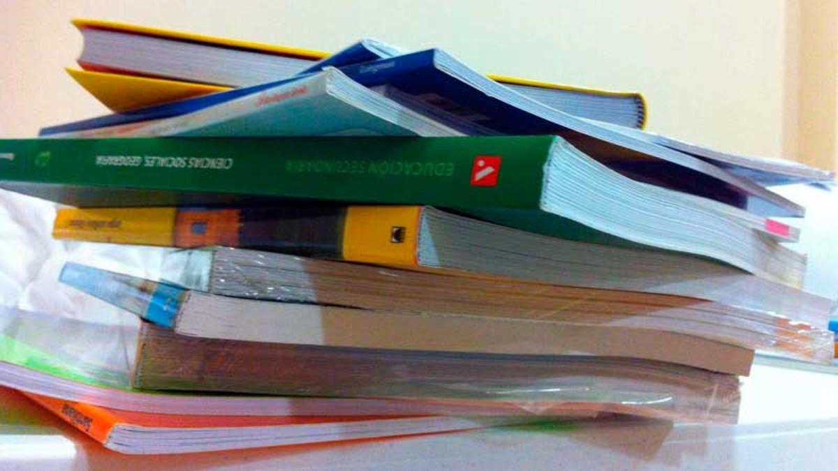Libros de texto escolares.
