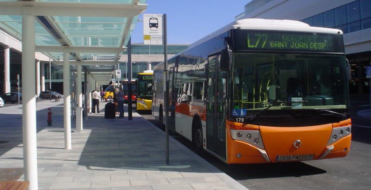 Línea L77, que conecta Sant Boi con El Prat