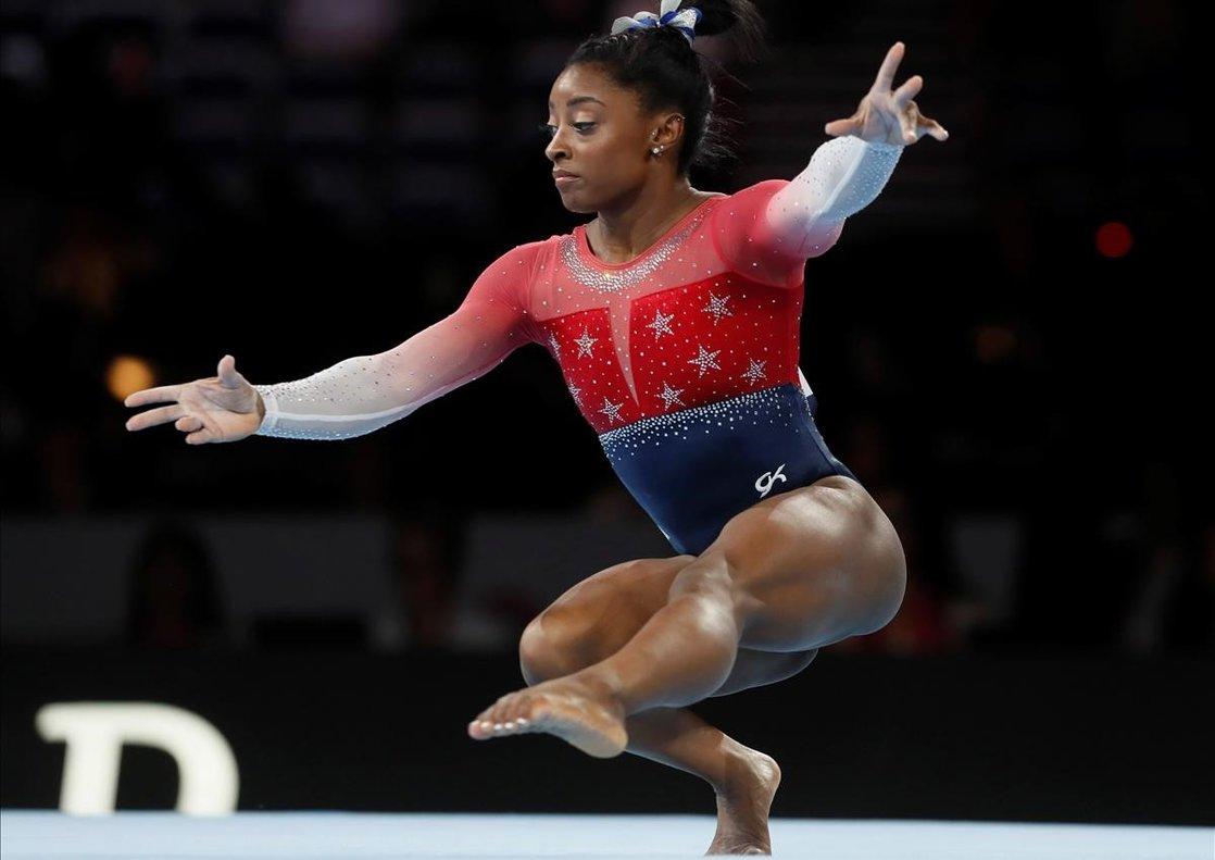 Simone Biles condueix els EUA al seu cinquè títol mundial consecutiu