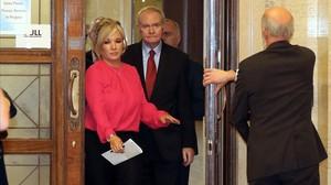 Martin McGuinness Abandona la Asamblea Nacional en Belfast.
