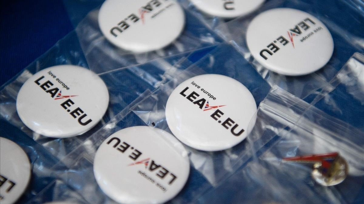 Merchandising de la campaña probrexit Leave.EU para el referéndum del 2016.