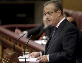 El ministre de Treball, Celestino Corbacho,durant el ple del Congrés.