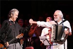 Paco Ibáñez junto a Georges Moustaki.