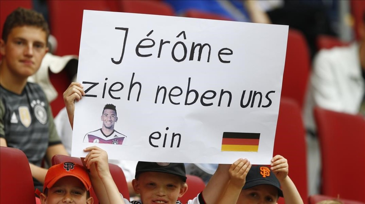 Pancarta de apoyo para Jérome Boateng