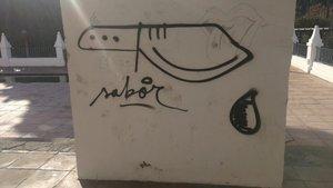 Pintadas contra la Guardia Urbana por la muerte de la perra Sota.