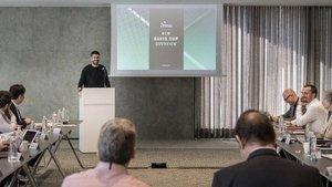 Piqué, en la presentación de su proyecto ante la Federación Internacional