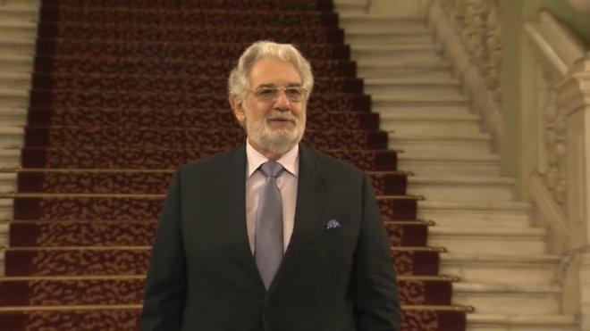 Plácido Domingo dimite como director general de la opera de Los Ángeles.