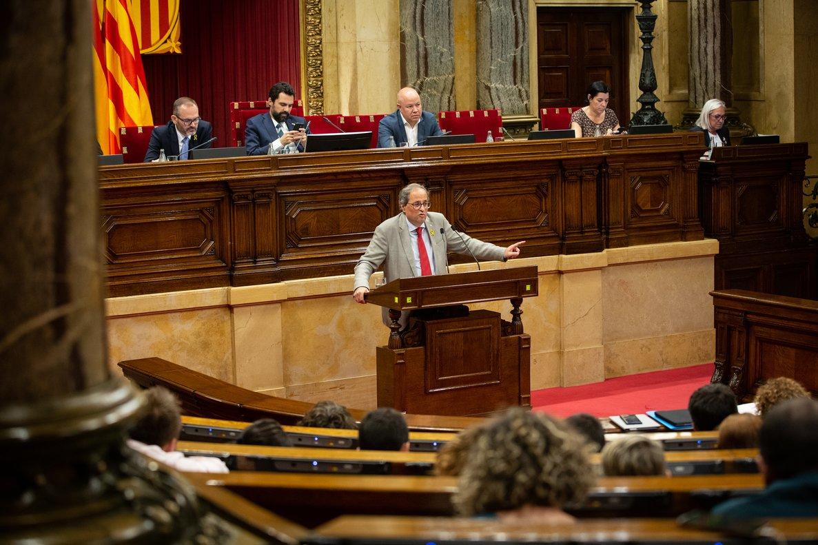 24/07/2019 El presidente de la Generalitat de Cataluña, Quim Torra, interviene desde la tribuna en una sesión en el parlamento catalán.