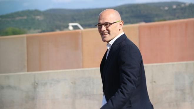 Raül Romeva sale de la cárcel de Lledoners en aplicación del artículo 100.2.