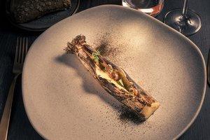 Puerro ahumado de Carlotta Delicato, chef del restaurante Fire, del Hotel W.