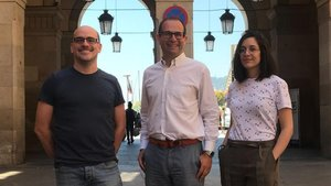 De izquierda a derecha Joan Grasas, Oliver Balcells y Samantha Lopez, cofundadores de RheoDx.